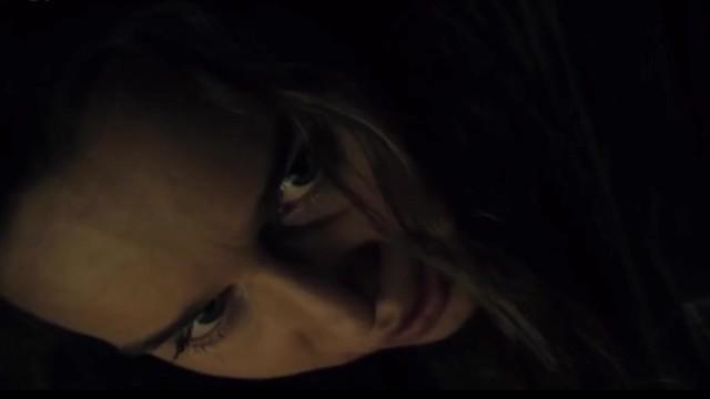 Emilia Clarke sexy - Above Suspicion (2019)