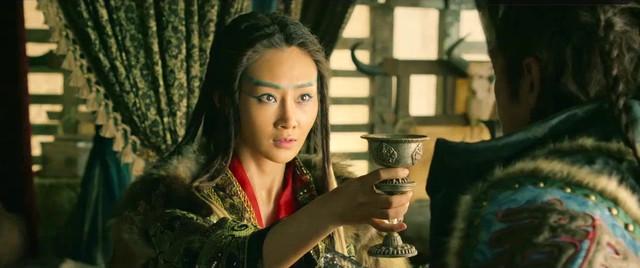 Lin Peng nude - Dragon blade (2015)