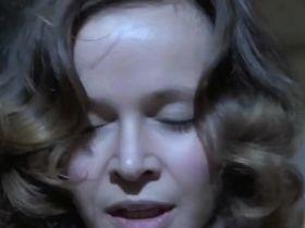 Laura Antonelli sexy - Malizia (1973)