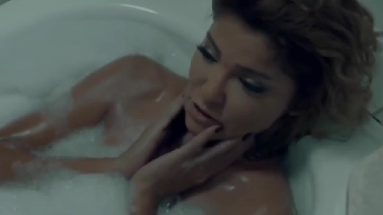 Ola Ghanem sexy - The Hotel (2017)