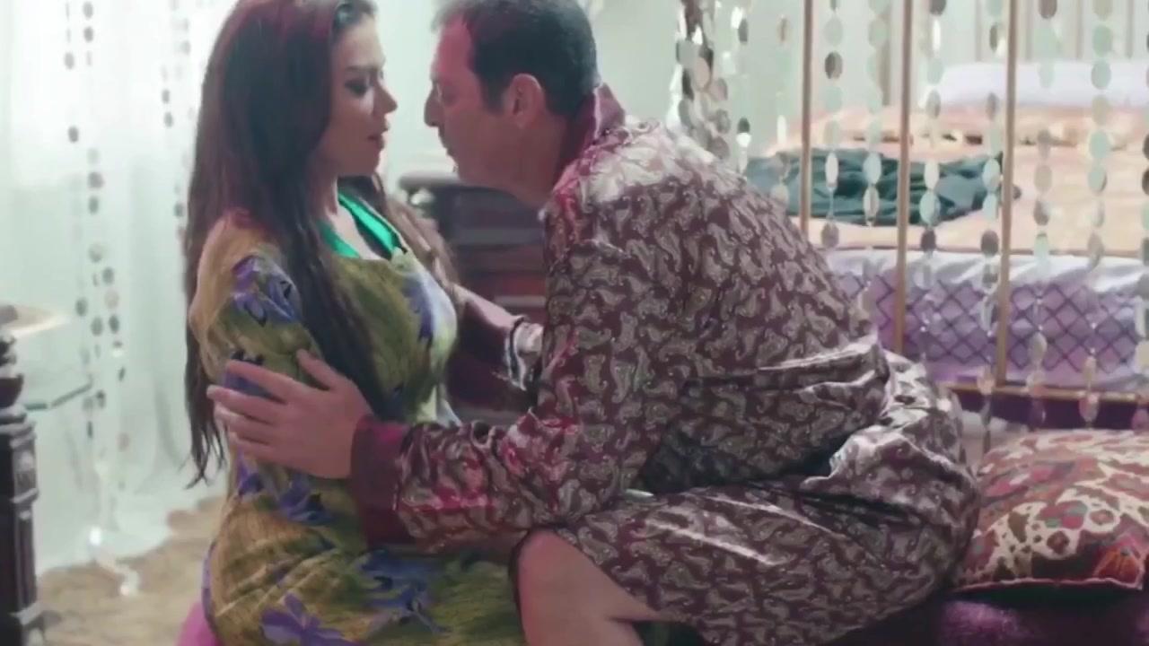 Rania Yossef sexy - Regatta (2015)