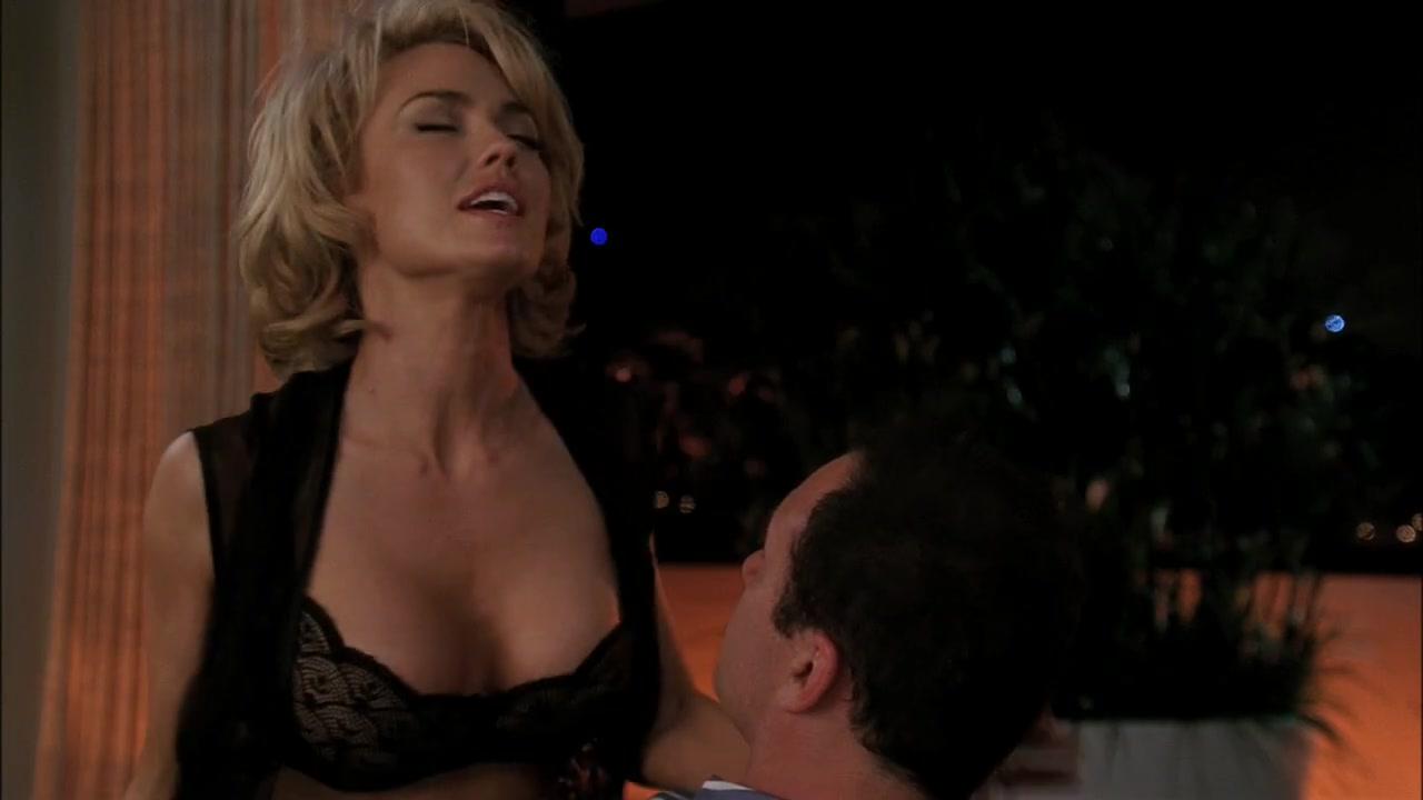 Kelly Carlson sexy - Nip Tuck s07e03 (2009)