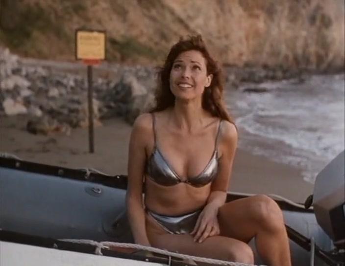 Carol Alt sexy - The Protector (1998)