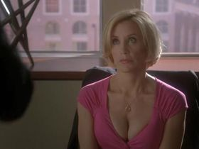 Felicity Huffman sexy - Desperate Housewives s06e04 (2009)