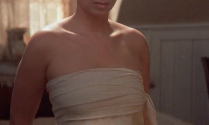 Barbra Streisand sexy - Yentl (1983)