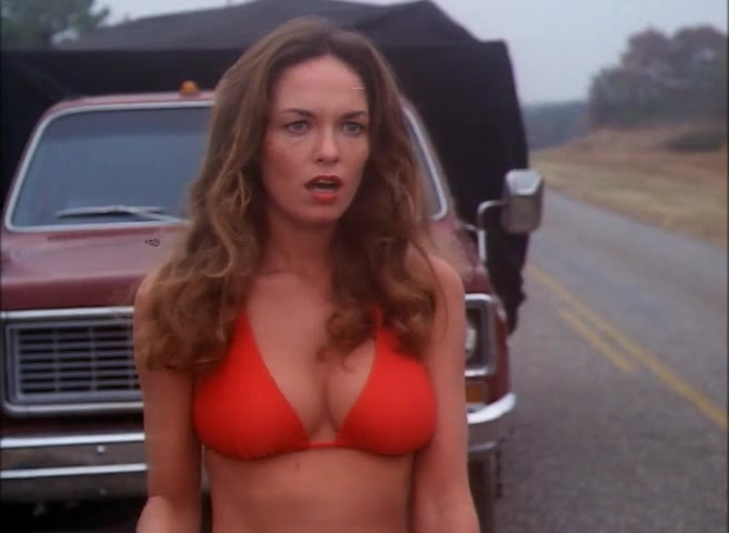Catherine Bach sexy - The Dukes of Hazzard s01e01 (1979)