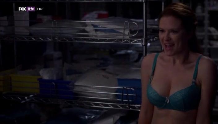 Drew naked sarah Sarah Drew