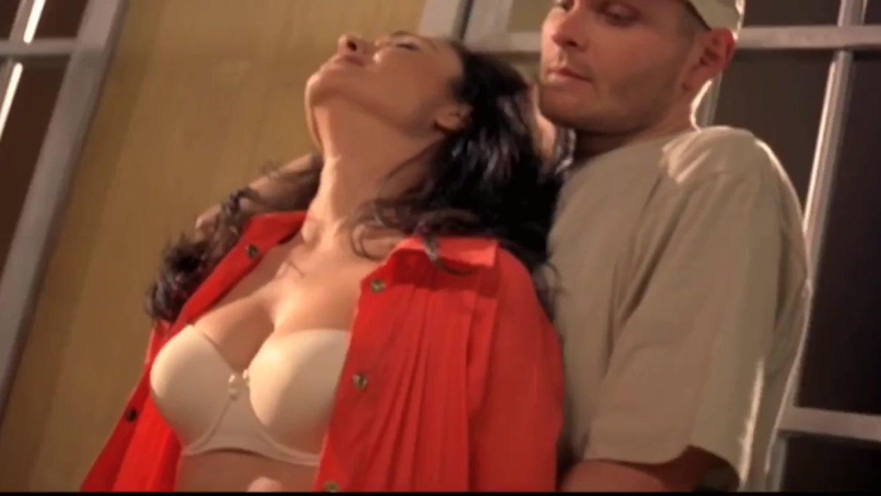 Basma Hassan sexy - Laylat Sokoot Baghdad (2005)