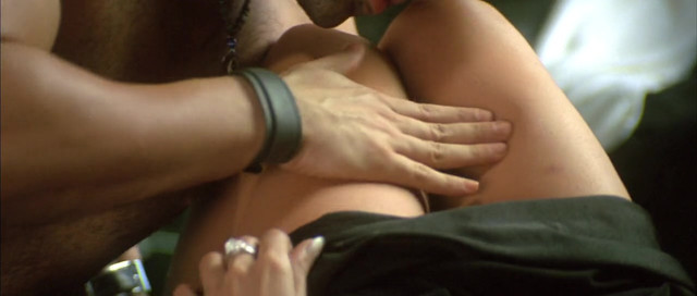 Mallika Sherawat sexy - Murder (2004)