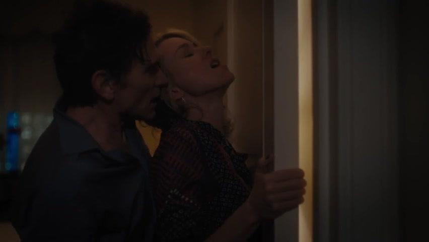 Naomi Watts sexy - Gypsy s01e06 (2017)