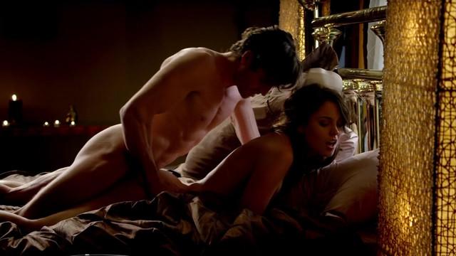 Christine Donlon nude - Femme Fatales s01e03 (2011)
