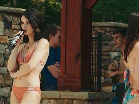Vanessa Marano sexy, Giorgia Whigham sexy - Saving Zoe (2019) 1080p