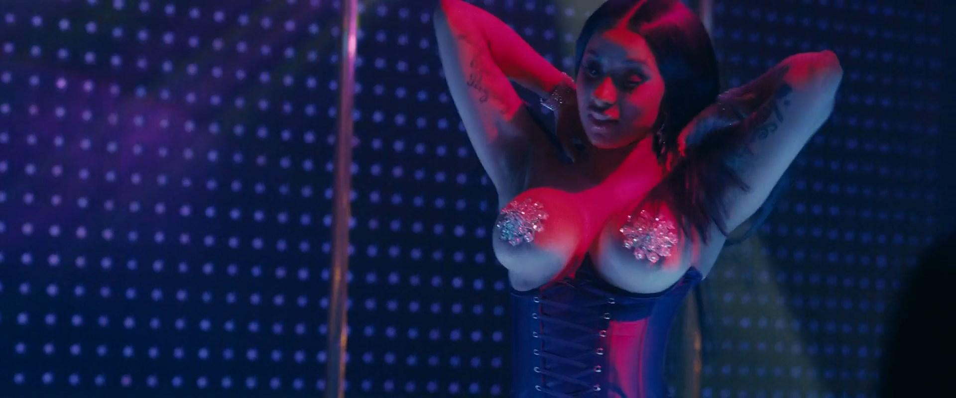Jennifer Lopez sexy, Constance Wu sexy, Julia Stiles sexy, Cardi B sexy - Hustlers (2019)