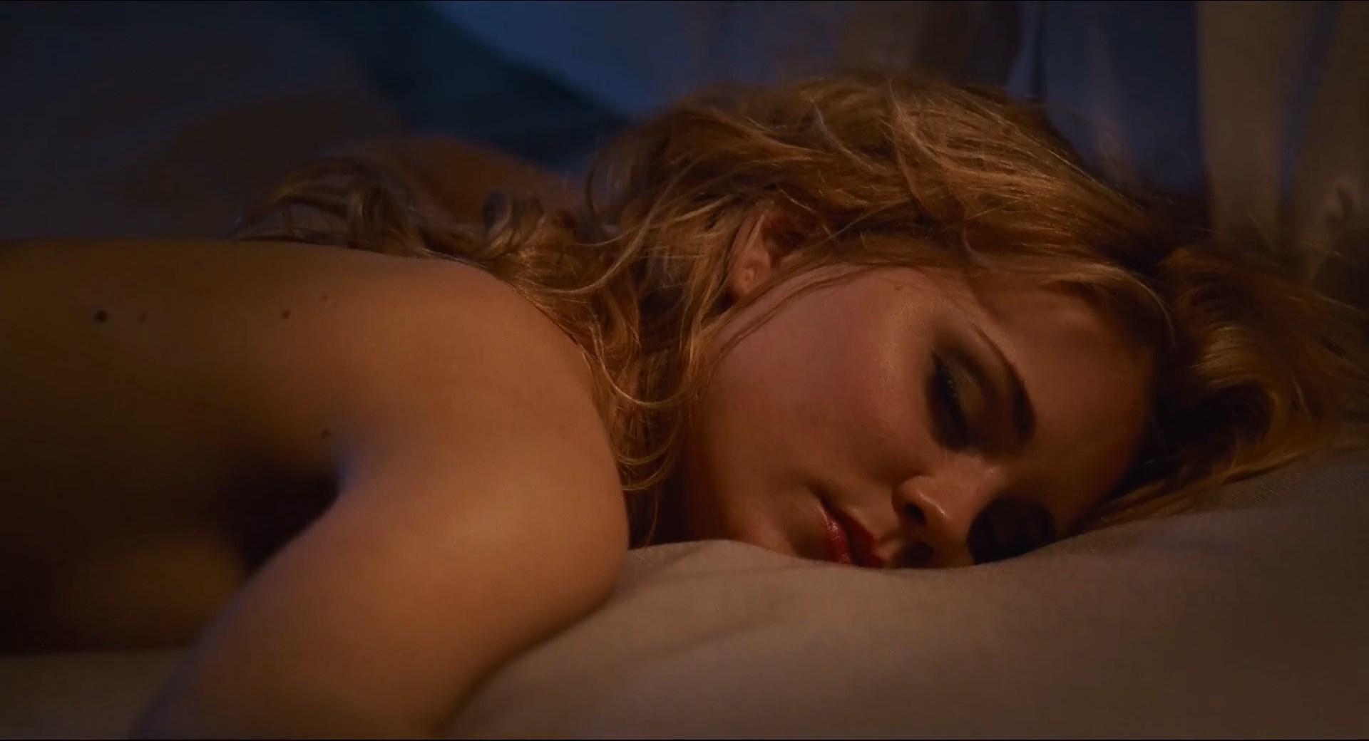 Alison Lohman sexy, Gina Gershon sexy, Nicole Vicius sexy - Delirious (2006)