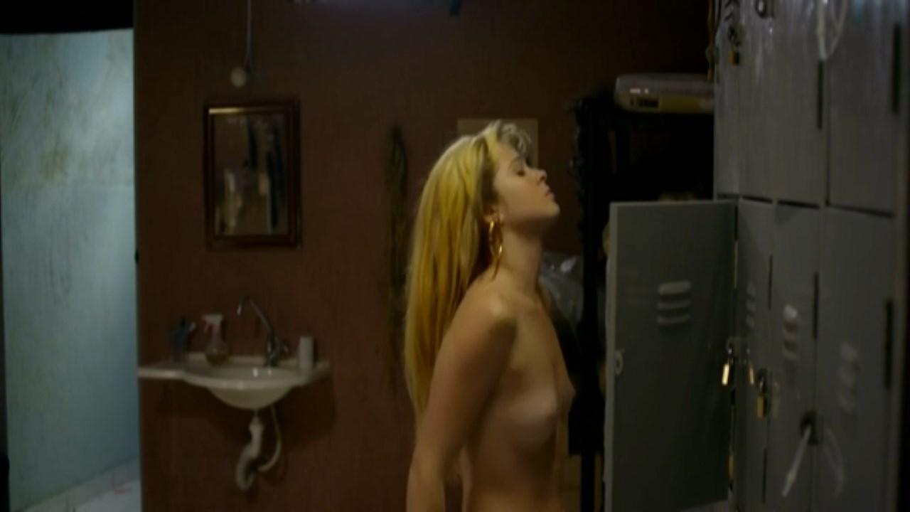 Gabriella Vergani nude, Gilda Nomacce sexy - Jiboia (2011)