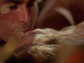 Anita Strindberg nude, Janine Reynaud sexy - La coda dello scorpione (1971)