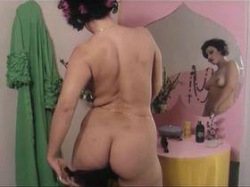Ria De Simone nude - Sorbole... che romagnola (1976)