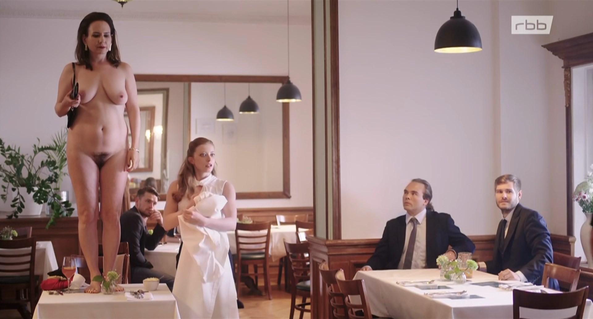 Anna Grisebach nude - Die unsichtbare Frau (2019)