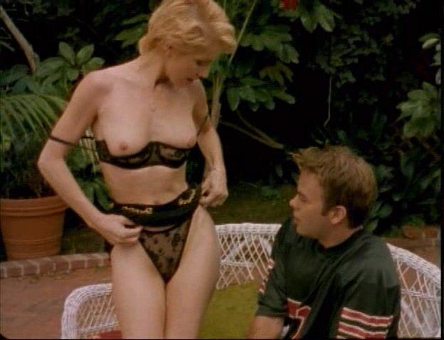 Angela Nicholas  nackt