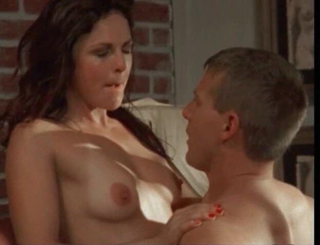 Belinda Gavin  nackt