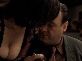 Kathrine Narducci sexy - The Sopranos s05e11 (2004)
