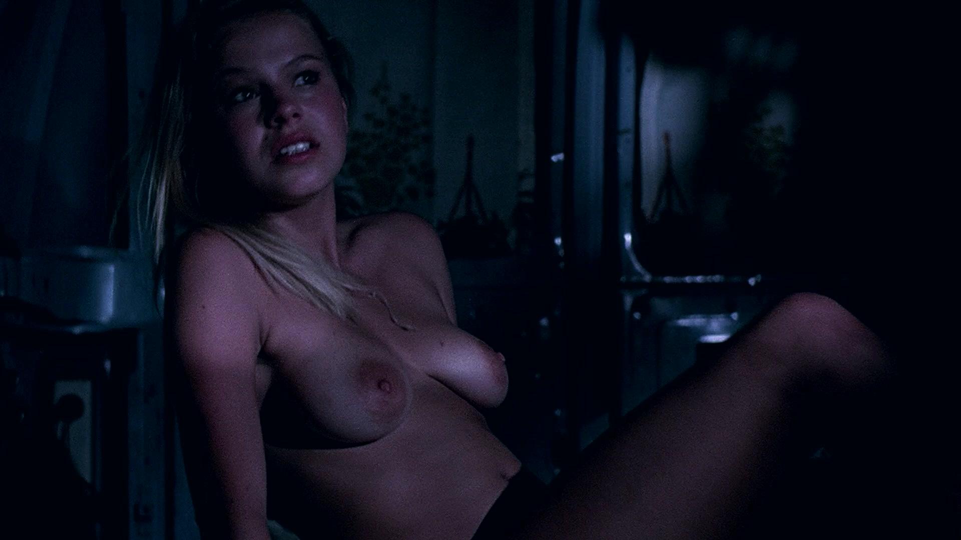 Sylvia Wright  nackt