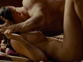 Elizabeth Olsen nude - Oldboy (2013)