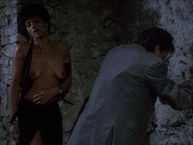 Raffaella Offidani nude, Barbara Crampton sexy - Castle Freak (1995)