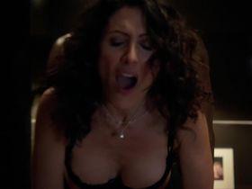 Lisa Edelstein sexy - House of Lies s02e05 (2013)