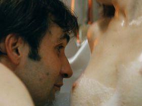 Martina Kratka nude - Nestyda (2008)