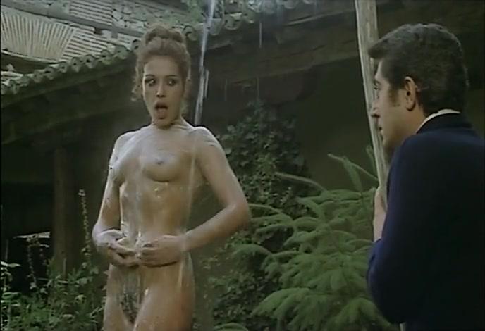 Sara Mora nude - Los energéticos (1979)