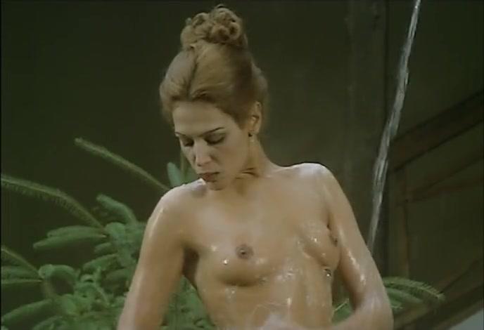 Nackt Sarah-Laure Estragnat  Sarah Lind