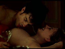 Miriam Giovanelli nude - Mentiras y gordas (2009)