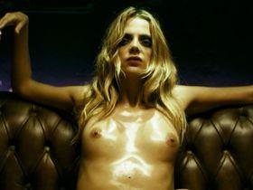 Andrea Carballo nude, Macarena Gomez nude, Vanessa Oliveira nude - Carne de neon (2010)