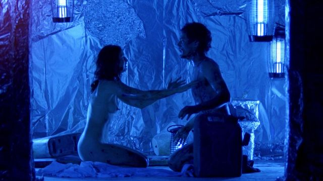 Ashley judd naked in bugs — photo 1