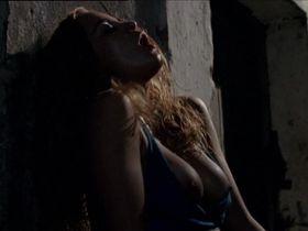 Alice Braga nude - Lower City (2005)