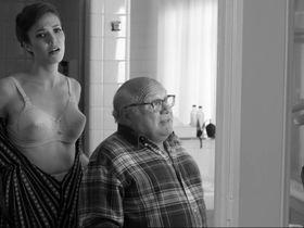 Mandy Moore sexy - Hotel Noir (2012)