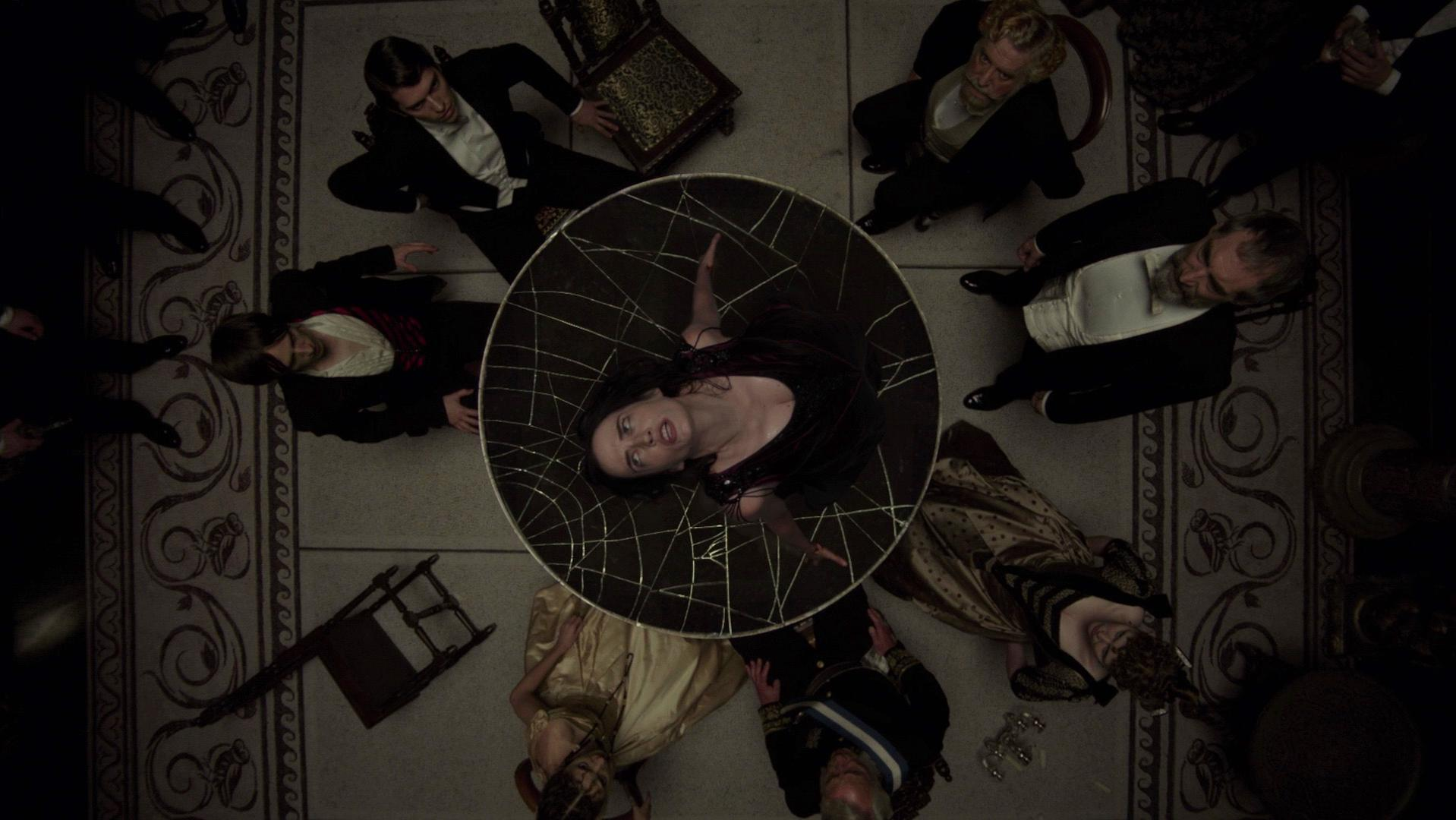 Eva Green sexy - Penny Dreadful s01e02 (2014)