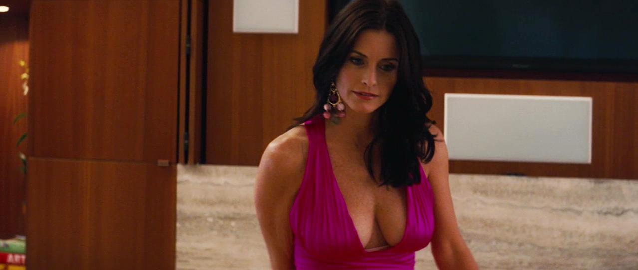Courteney Cox sexy - The Longest Yard (2005)