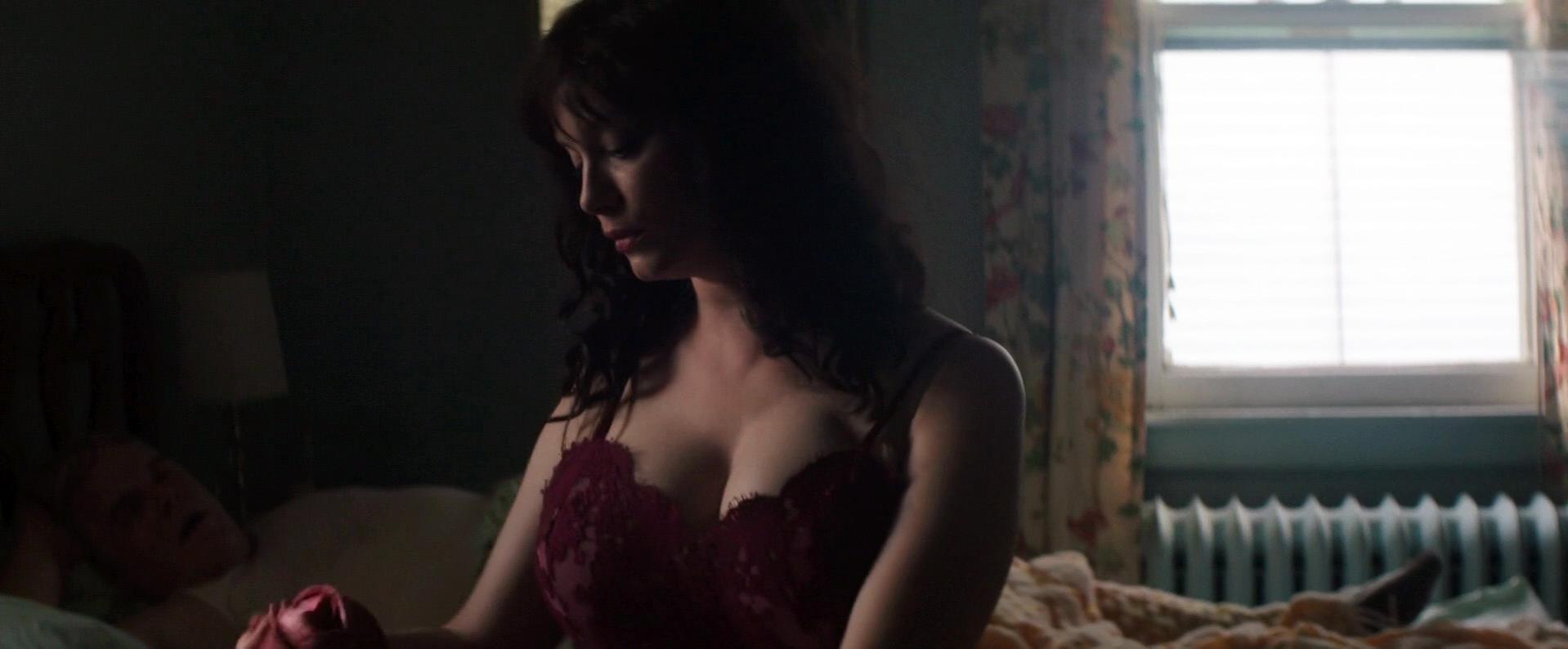 Christina Hendricks sexy - God's Pocket (2014)