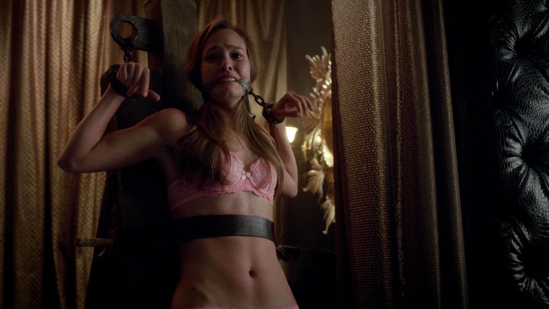 Deborah Ann Woll sexy, Bailey Noble sexy - True Blood s07e08 (2014)