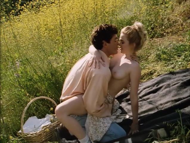 Cristi Harris nude - Kiss of Death (1995)