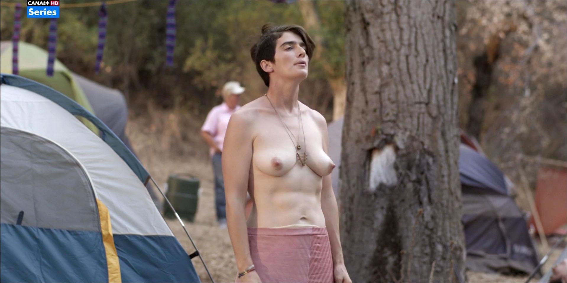 Gaby Hoffmann nude - Transparent s02e09 (2015)