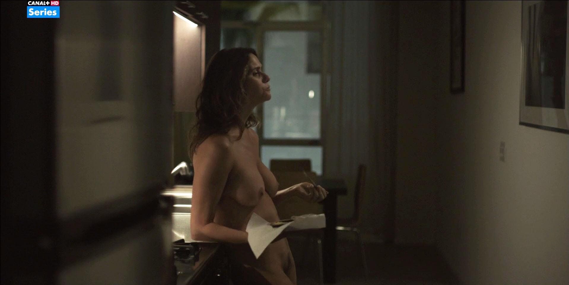 Amy Landecker nude - Transparent s02e04 (2015)