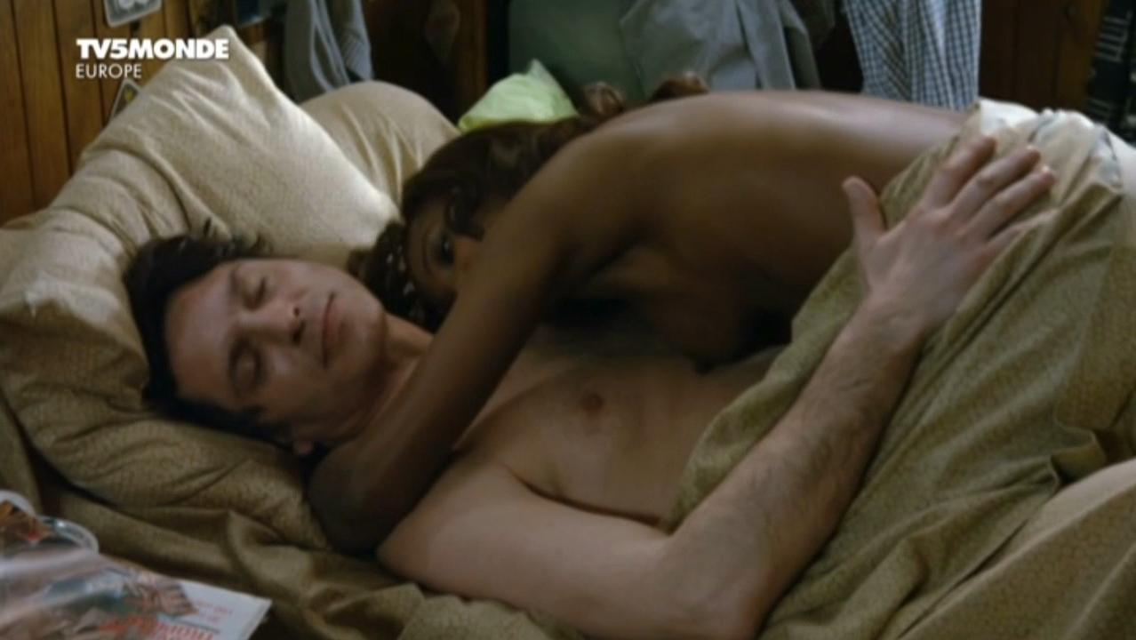 Peggy Leray nude - Je retourne chez ma mere (2012)