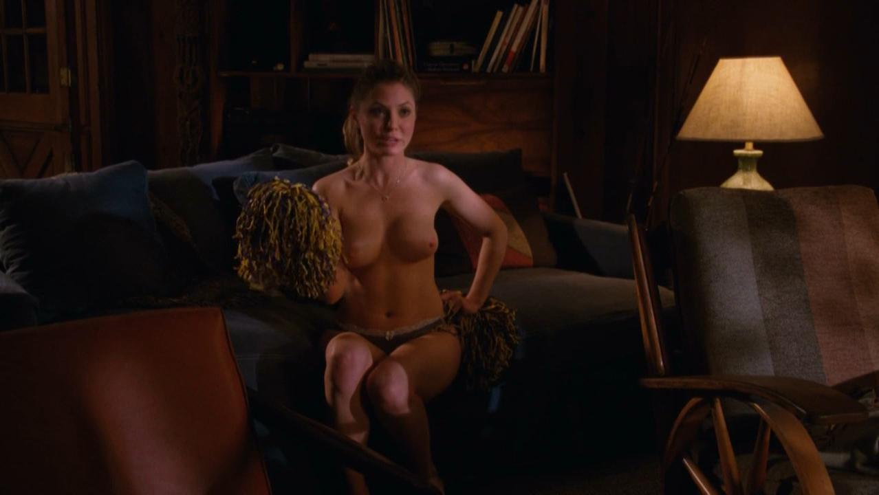 Kaitlin Doubleday nude - Hung s03e03-08 (2011)