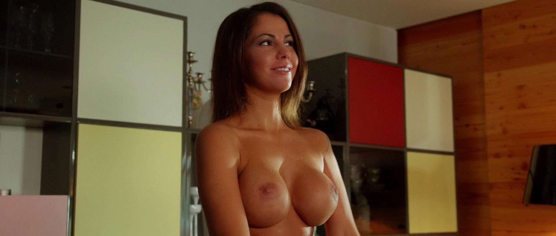 Elena Berkova nude - Chto tvoryat muzhchiny 2 (2015)