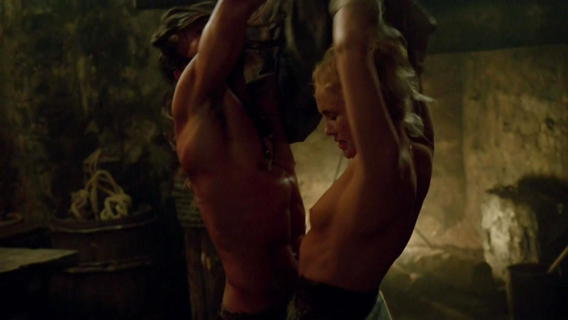 Hannah New nude - Black Sails s02e03 (2015)