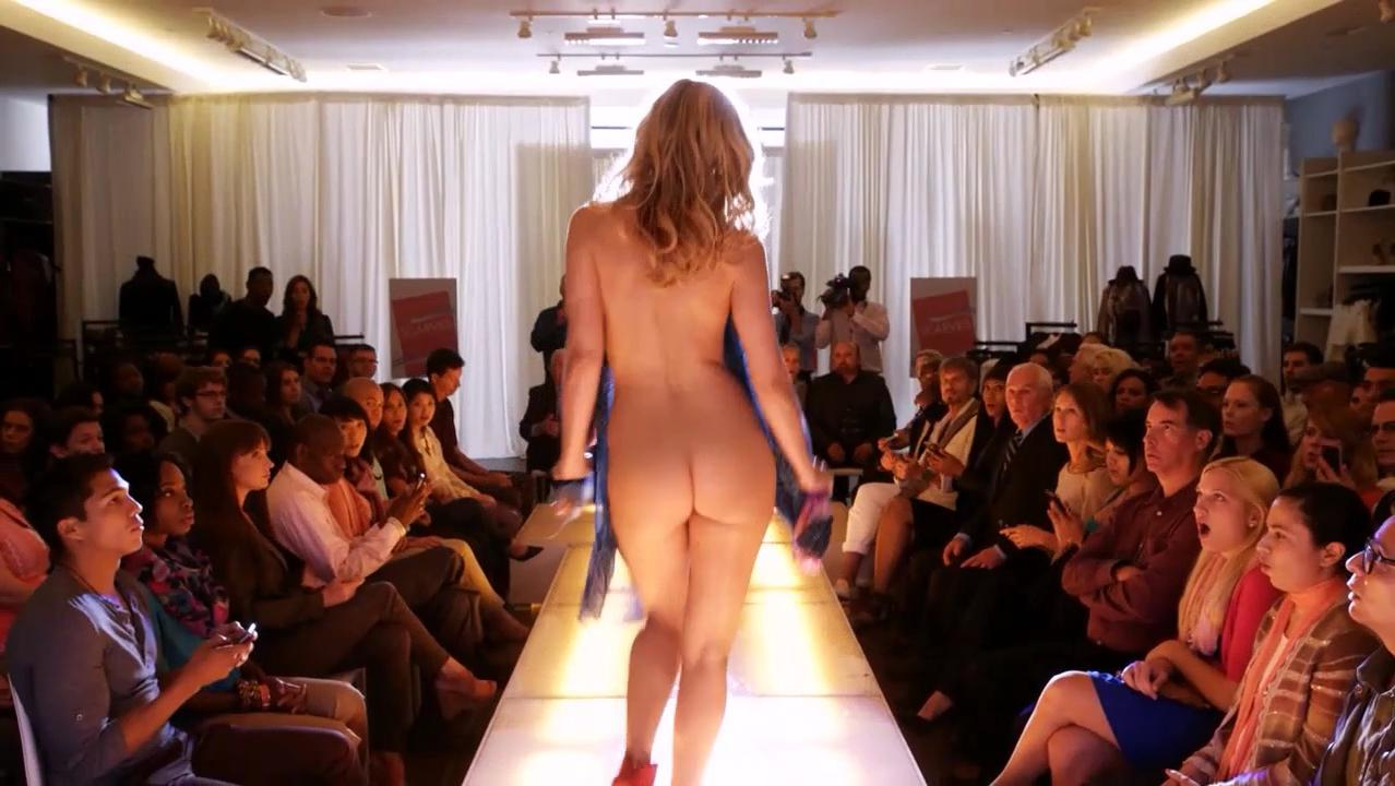 Leslie Bibb nude - Salem Rogers s01e01 (2015)