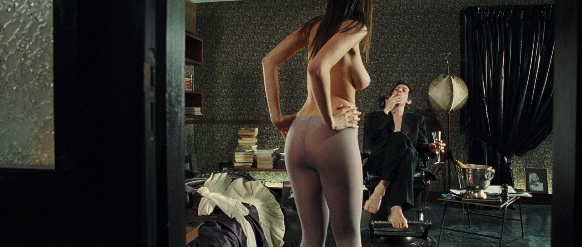 Deborah Grall nude - Gainsbourg (2010)